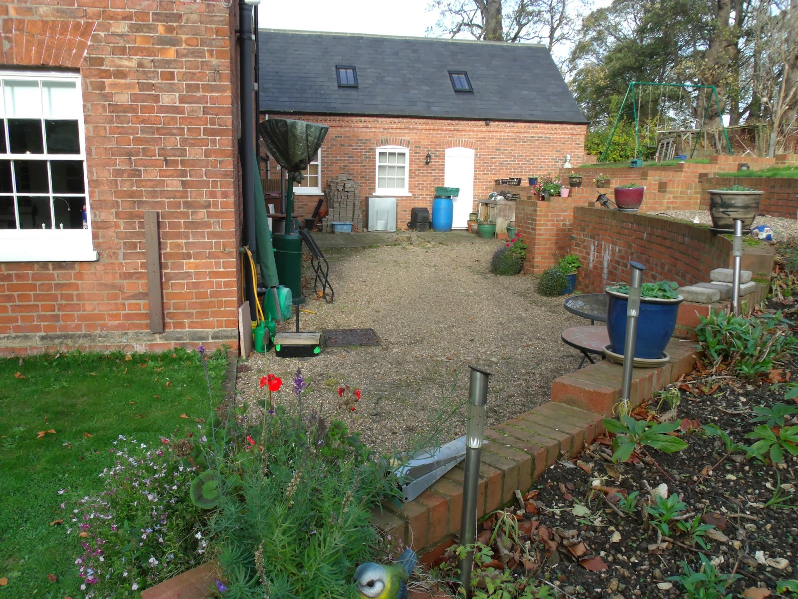 Garden Landscaping East Yorkshire : This large sized family garden in horkstow north lincolnshire was designed during the winter of