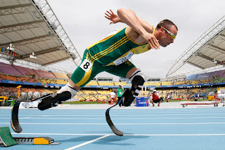 Photo of Paralympian Oscar Pistorius running.