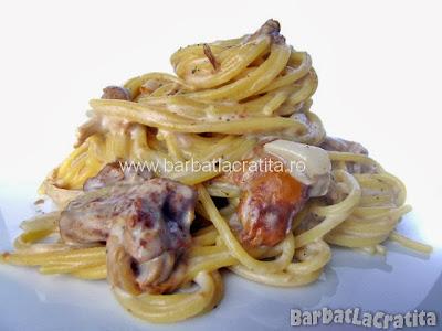 Spaghete cu sos de ciuperci reteta