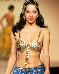 Vida Samadzai Sexy Ramp Walk in Golden Bra