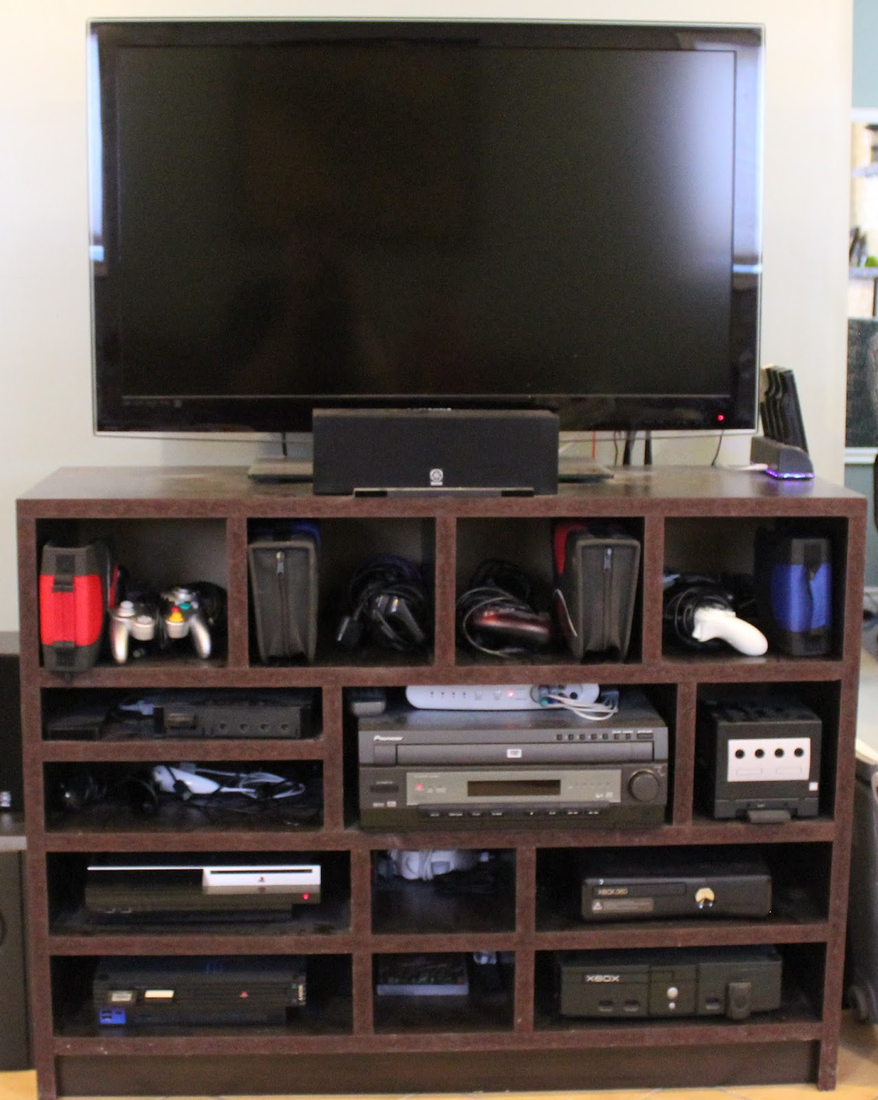 do it yourself builds how to build a custom tv stand. Black Bedroom Furniture Sets. Home Design Ideas