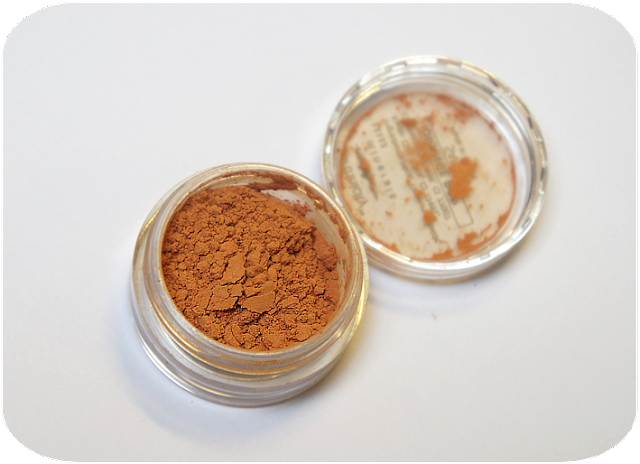 Earthnicity Orange Mineral Eyeshadow