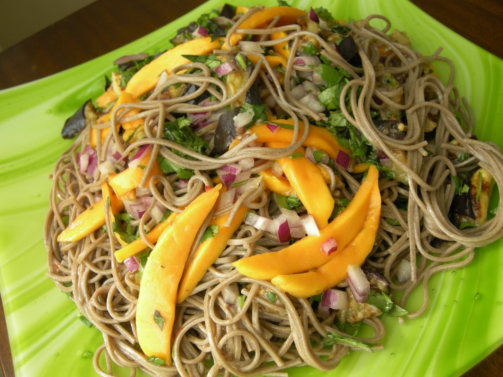 Mary Mary Culinary: Soba noodles with eggplant and mango