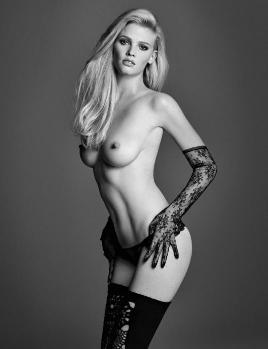 FOTOS: W Magazine – Lara Stone topless