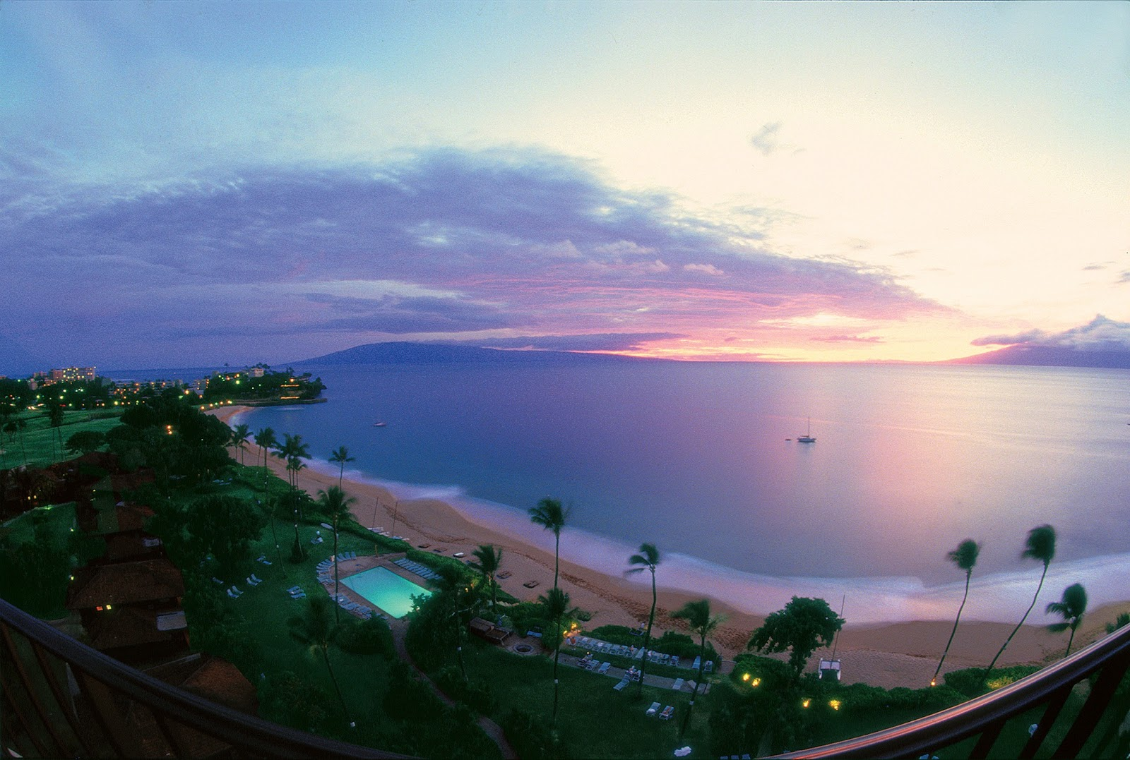 Ask About Honeymoons Get Married On Maui At The Royal Lahaina Resort Wedding Packages