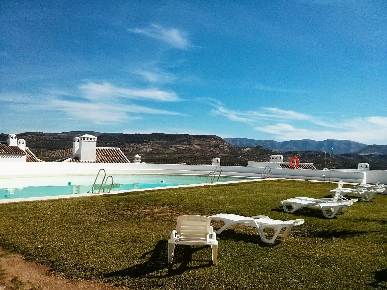 Villa Turística de Priego - Piscina principal