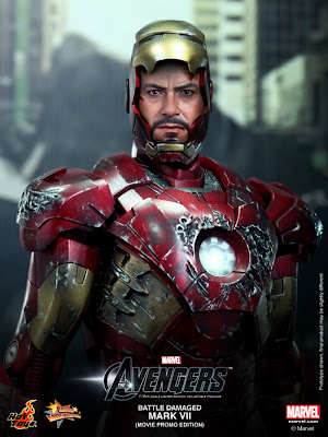 Hot Toys Avengers Iron Man Mk VII Battle-Damaged Exclusive Figure