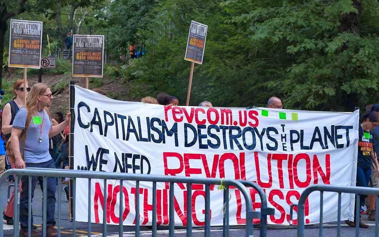 Militantes ambientalistas pressionam a ONU pela Revolução planetária contra o capitalismo. People's Climate March, 21 de setembro 2014