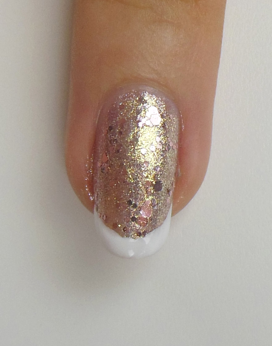 White & Gold - Nails All Over