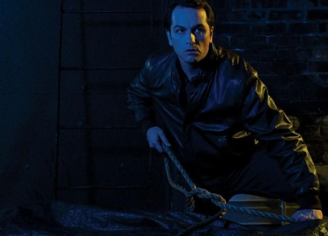 Matthew Rhys in The Americans wearing leather
