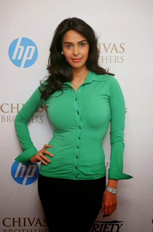 Mallika Sherawat Curvicious Body Exposed in her tight Green top and Black Pants HD Hot Pics,Photos