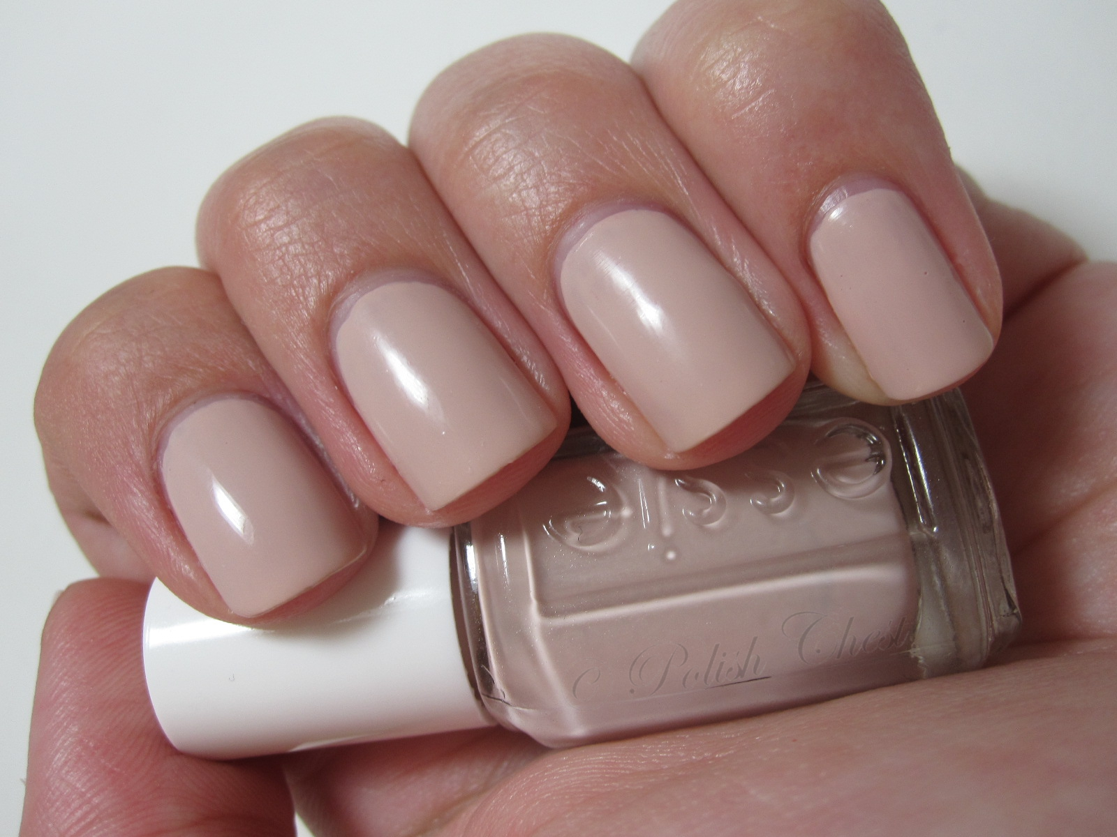 The Nailbourhood: NOTD Essie Topless & Barefoot with