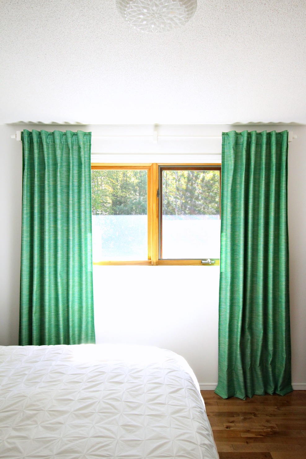 Kelly green velvet curtains - Green Bedroom Curtains