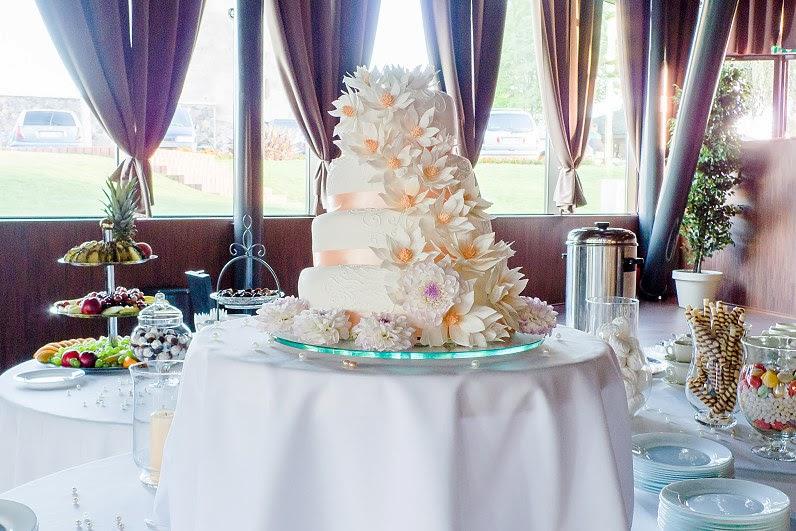 didelis vestuvių tortas