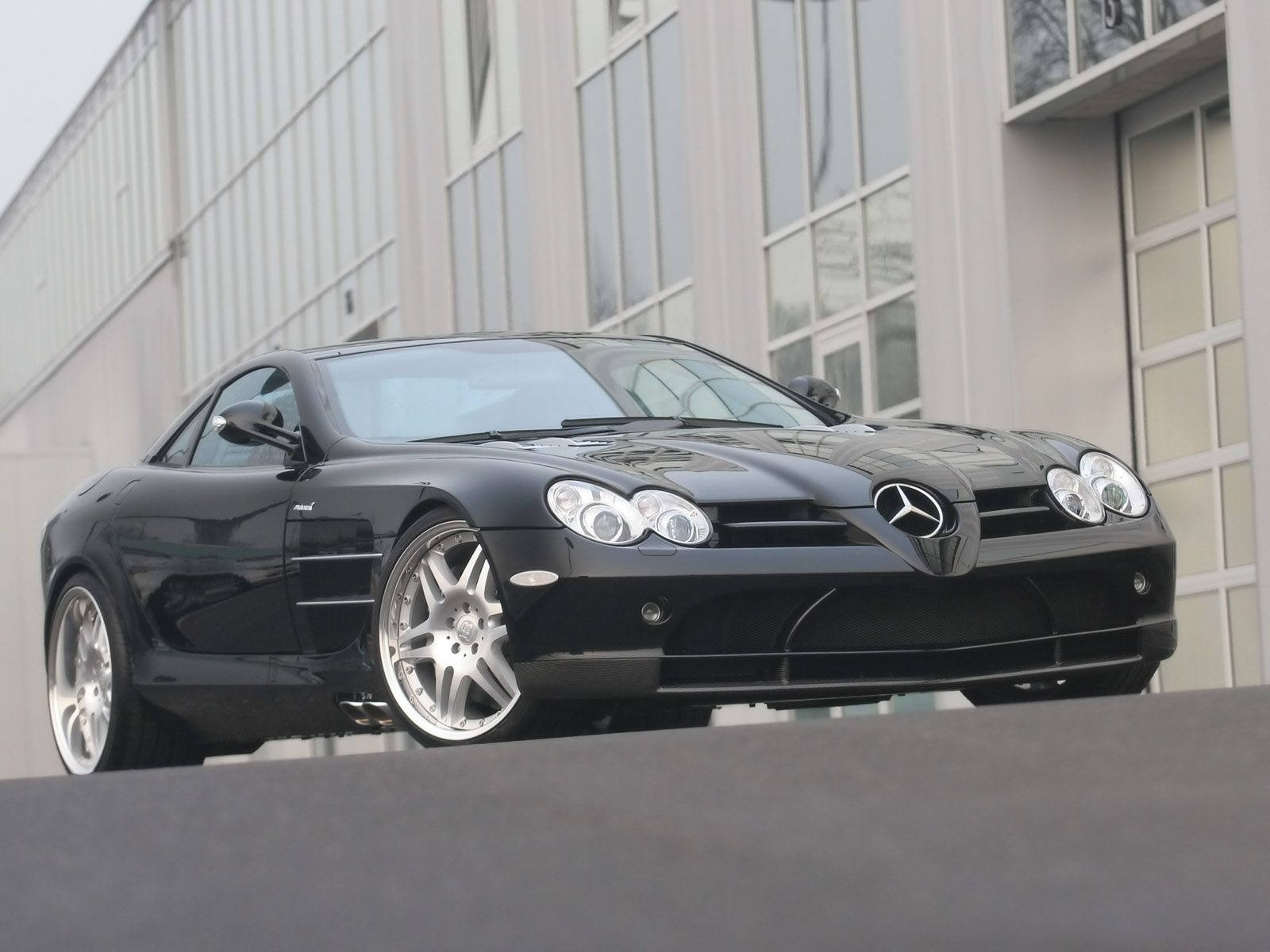 http://3.bp.blogspot.com/-9DBYyc3WFic/UBlge7ej9SI/AAAAAAAAABc/4w6QNWnwwgw/s1600/Brabus_SLR_McLaren_based_on_Mercedes-Benz_SLR_McLaren.jpg
