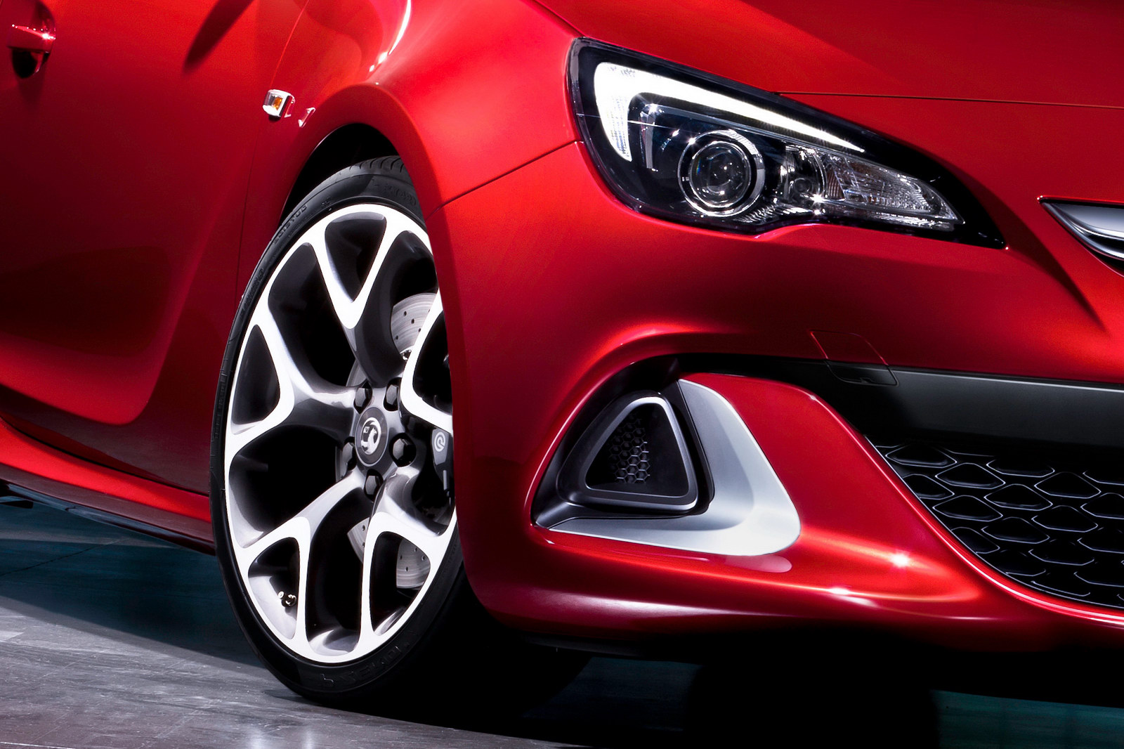 2012 Opel Astra Opc Unveiled
