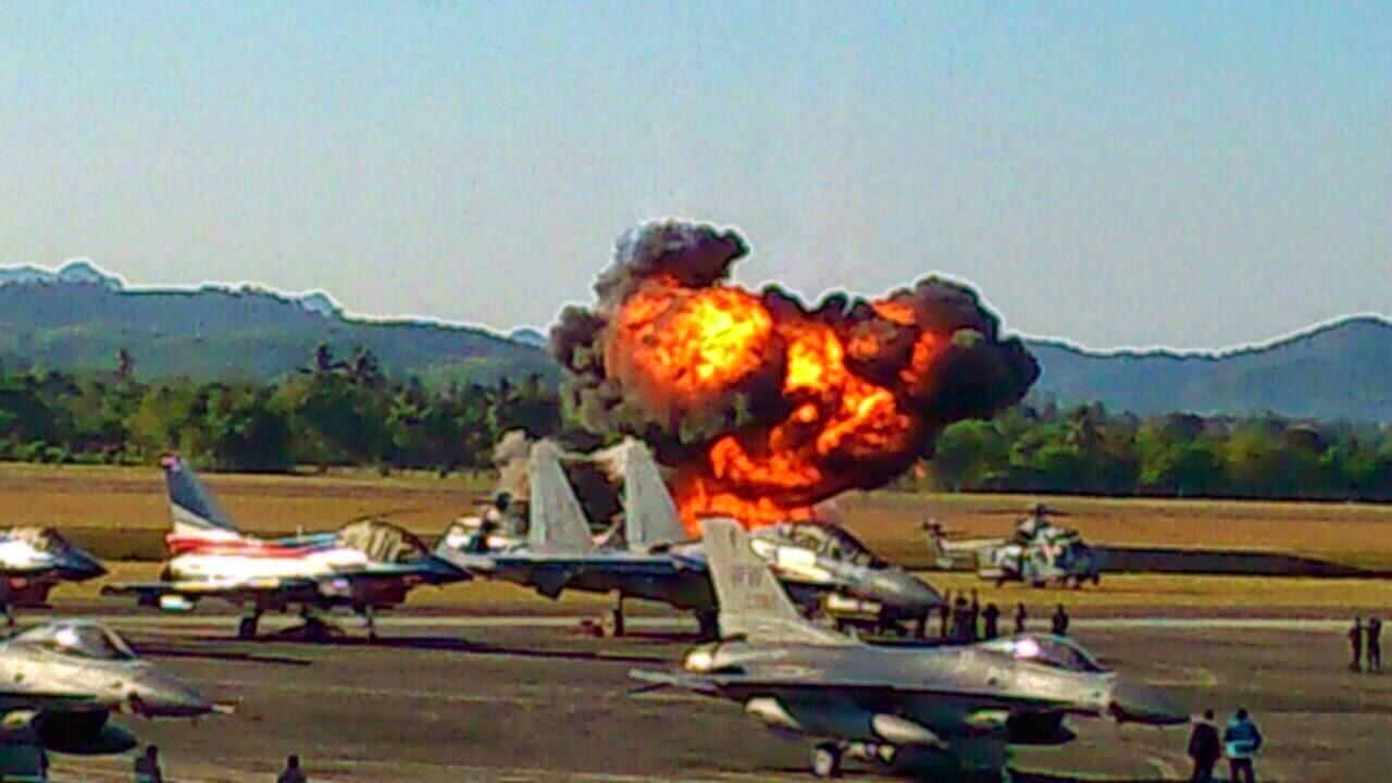 10 GAMBAR TERKINI LIMA 2015 Pesawat Jupiter terhempas ke atas rumah penduduk dua cedera ringan