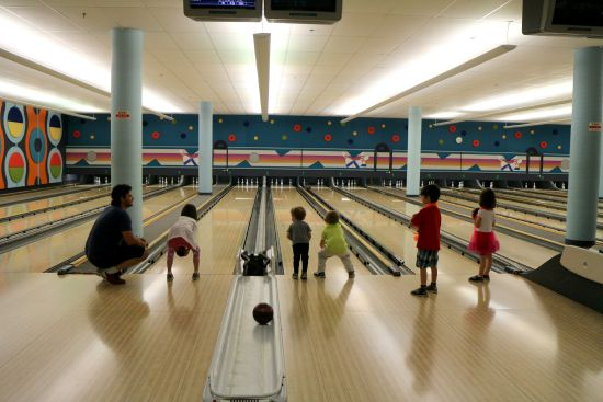 A list of every place in Calgary where you can have a bowling party - and every place where you can go to bowl with kids!
