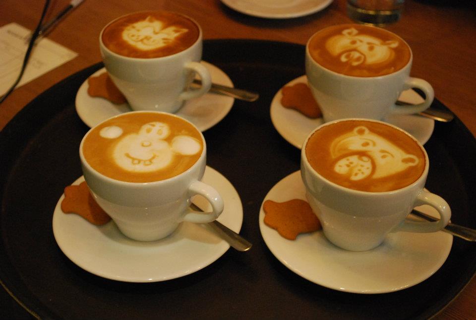 affogato łódź latte art