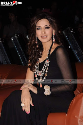 Sonali Bendre on the sets of India's Got Talent