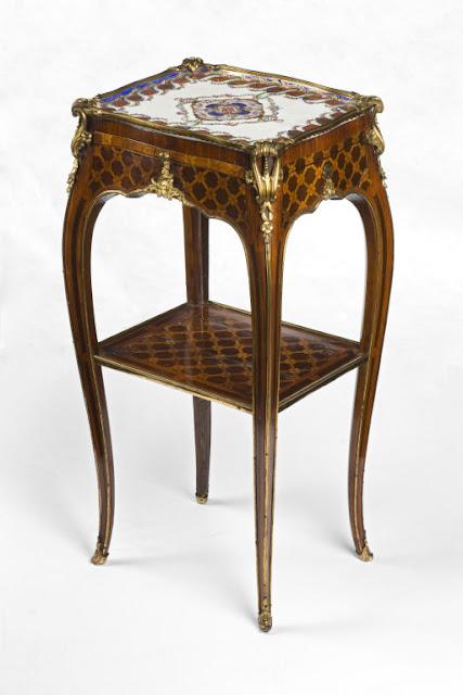 Table en cabaret Estampille de Roger Vandercruse, dit Lacroix,  Ca 1760