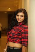 Priyanka latest glam pics-thumbnail-1