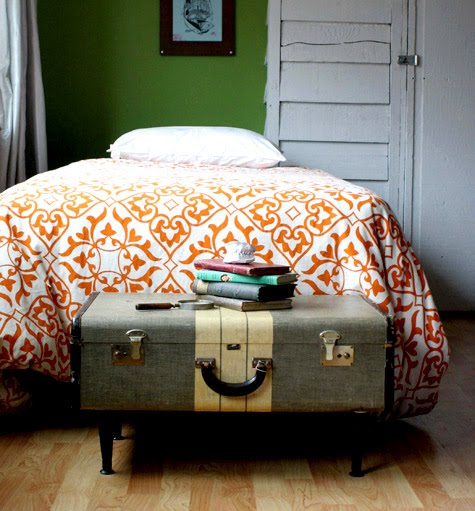 Let 39 S Stay Vintage Suitcase Table And Seating Ideas