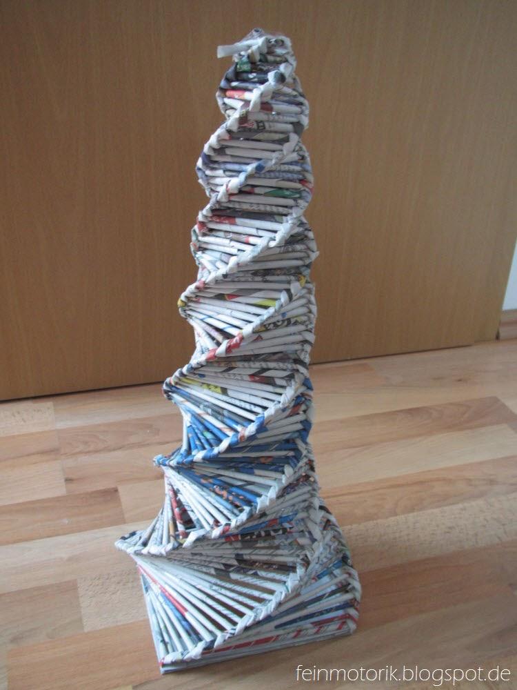 es weihnachtet sehr diy weihnachtsbaum aus papier. Black Bedroom Furniture Sets. Home Design Ideas