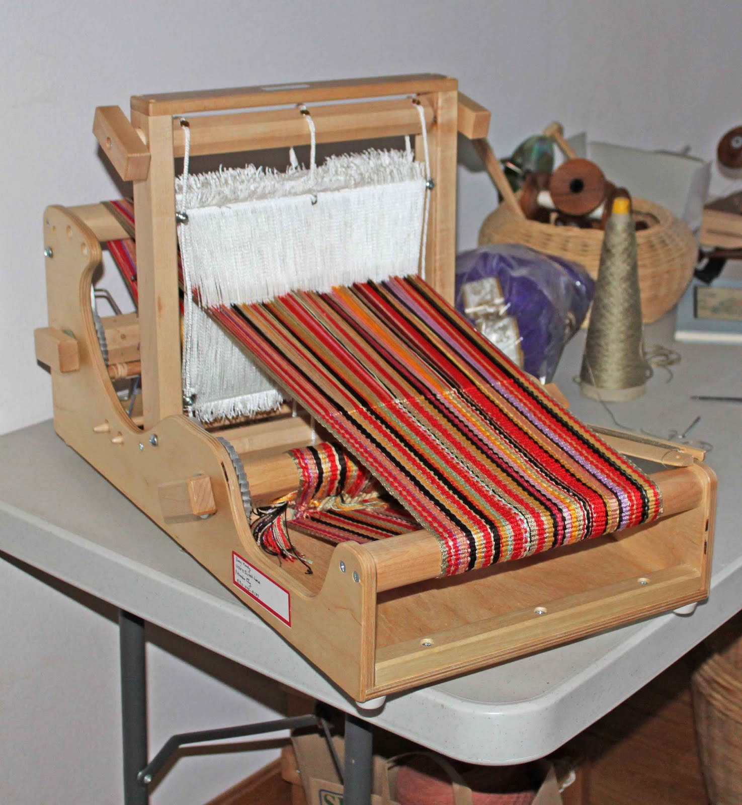 Weaving was actually pretty trouble free in spite of the fact that i had used a variety of weights of yarn and for the weft i used some neutral colored