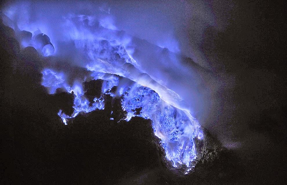 Kawah Ijen Kawah Gunung Berapi Berwarna Biru Yang Menakjubkan