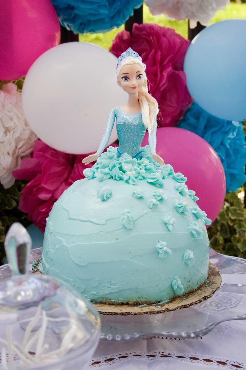 Tarta muñeca Elsa de Frozen - Cumpleaños Frozen1