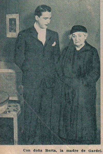 Hugo del Carril  y la madre de carlos gardel berta