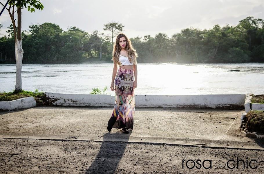 Vitória Dantas  para Rosa Chic