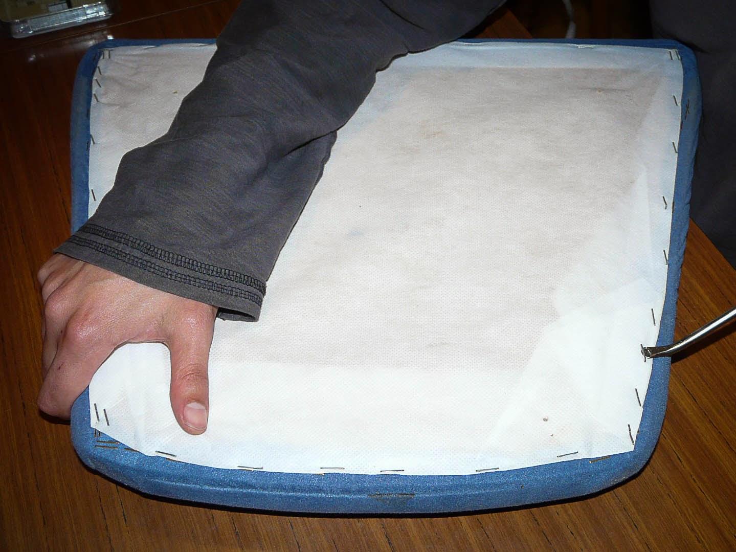 Upcycling design como tapizar facil paso a paso unas sillas - Como tapizar una silla paso a paso ...