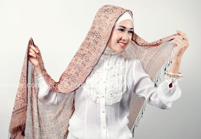 Cara Memakai Jilbab Pashmina | Si Ghe
