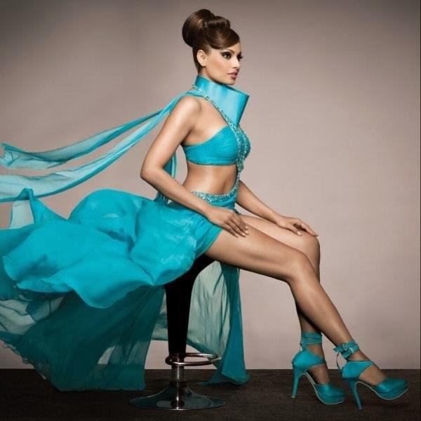 Bollywood actress Bipasha Basu Hot Pictures