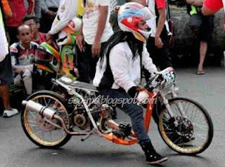 Photo  Indri Barbie Di Area Balapan