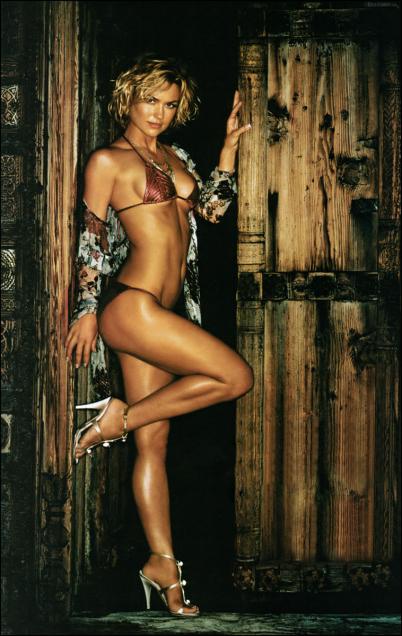 Adrianne Palicki Hot Pics