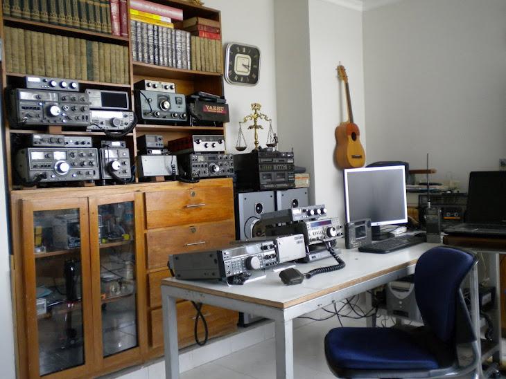 MIS EQUIPOS DE RADIOAFICIONADO, ESCUCHA y DIEXISTA DE UESTRA AFICIÓN: LA RADIO