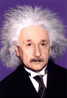الحياة النسبية لإينشتاين الحياة؟