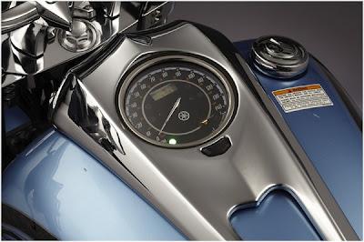 2011 Yamaha Raider S 4