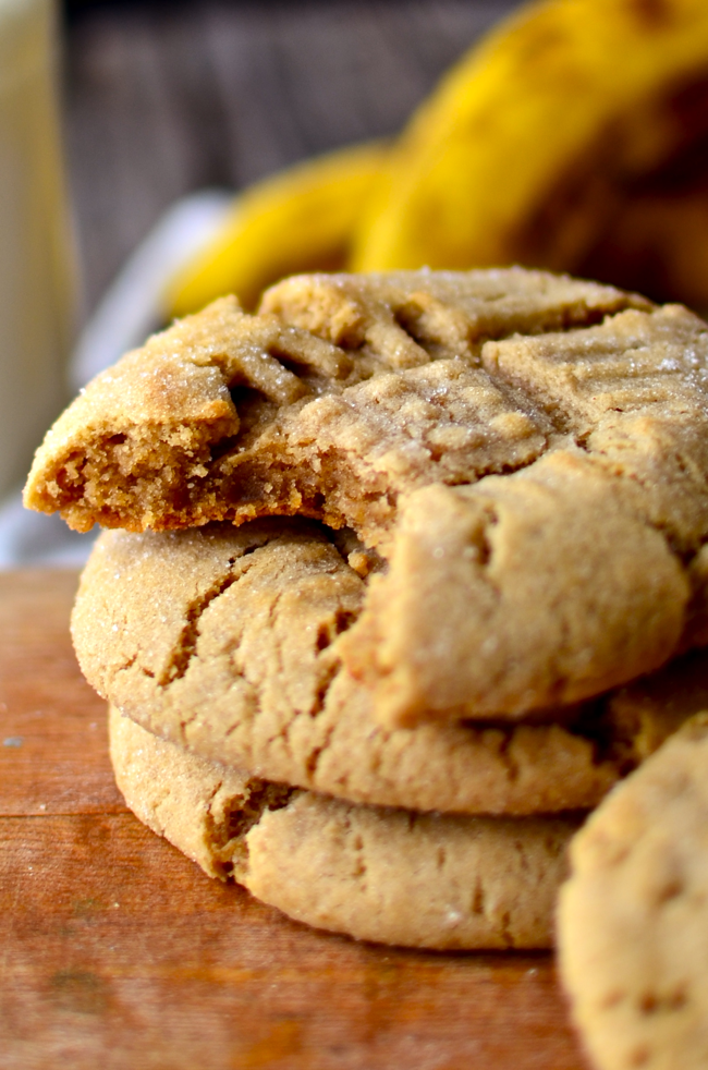 Yammies noshery fat chewy peanut butter banana cookies the other day my sister was reading a food network magazine and said oh hey its elviss birthday soon you should do something elvisy for a post forumfinder Choice Image