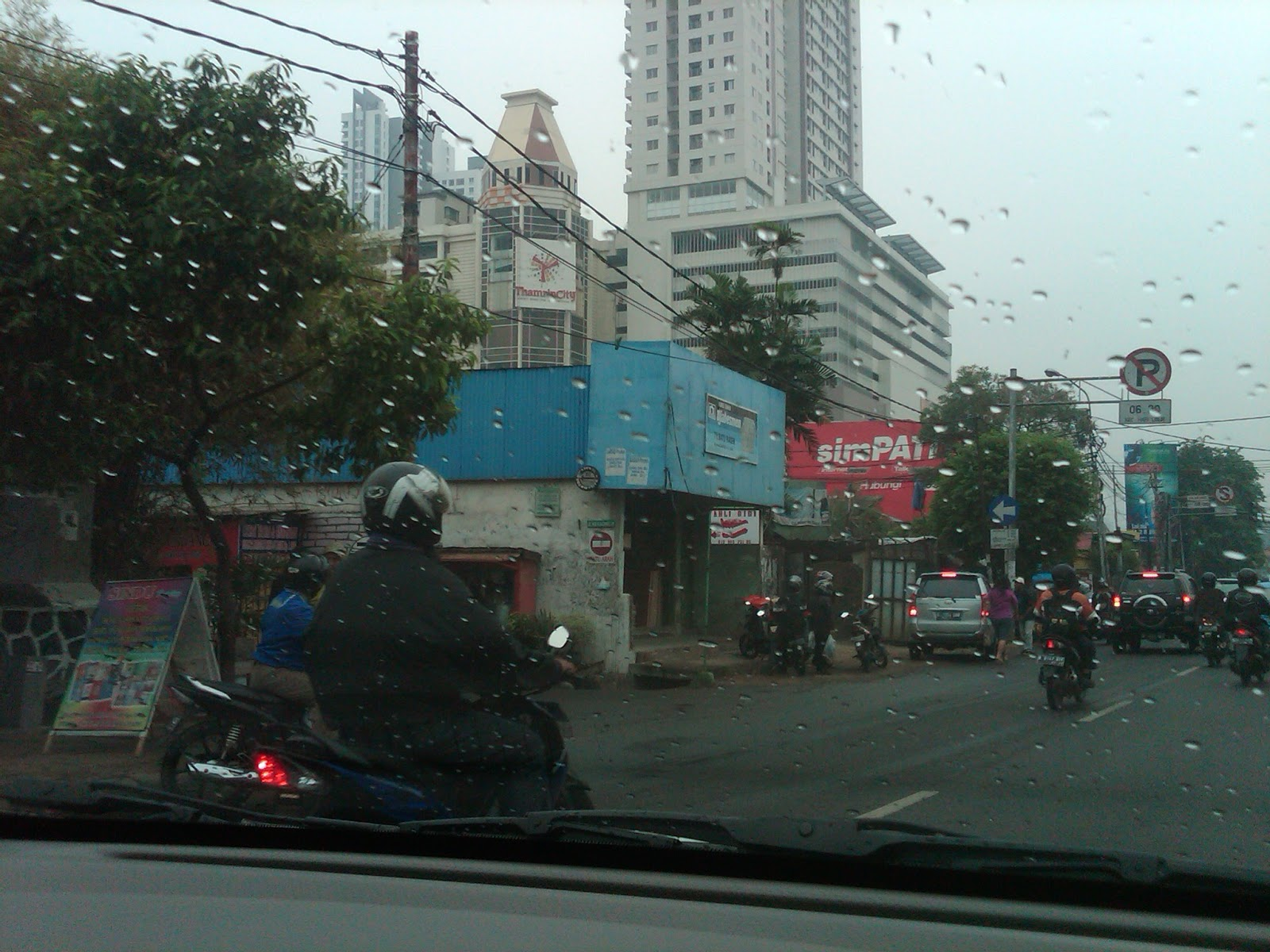 pusat batik nusantara menghadirkan batik dari seluruh indonesia ...
