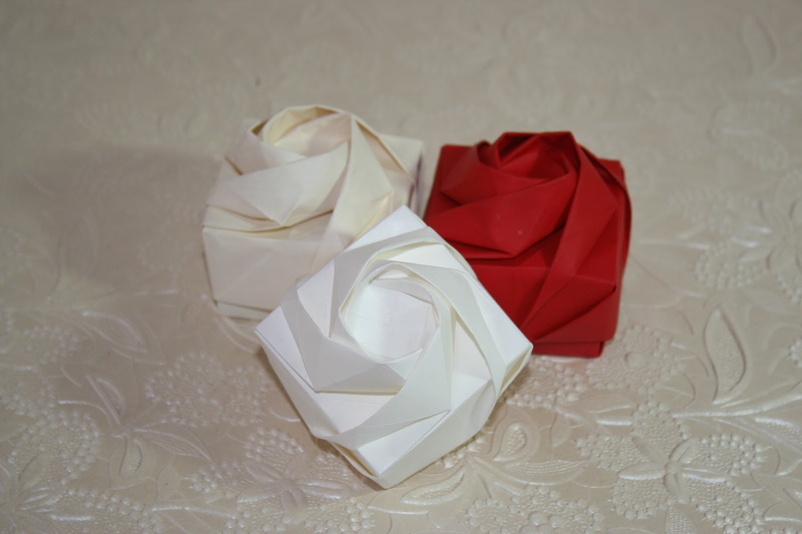shin han gyo's origami rose box - photo#18