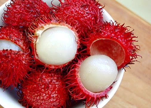 Fruits in Vietnam is one of best Vietnamese Food6