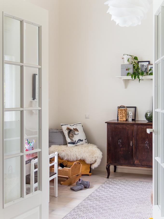 tilasta tilaan sisustuskuva, olohuone ja lastenhuone sisustus, vita carmina, laajakulma sisustuskuva
