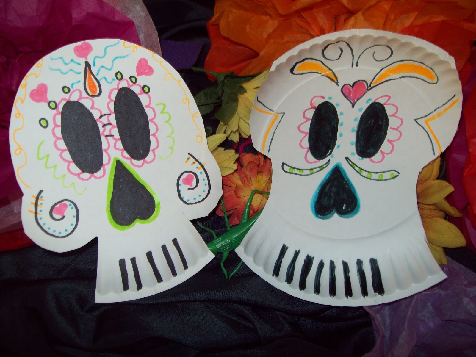 These are a couple of cute skull masks made of paper plates! & my artful nest: los dias de los muertos