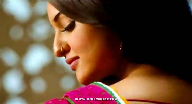 Sonakshi Sinha Back Pose Rowdy rathore still - Sonakshi Sinha Rowdy Rathore Wallpapers