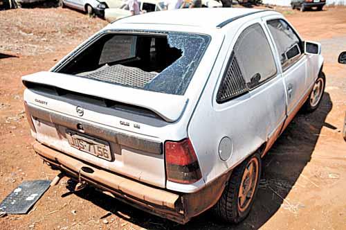 Carro usado em fugo de presos em Cristalina