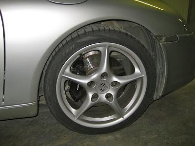 Porsche 911 (996) avec pneus d'hiver Pirelli